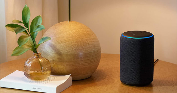 Echo 3ª generazione, l'altoparlante intelligente con Alexa in offerta su Amazon con sconto del 40%