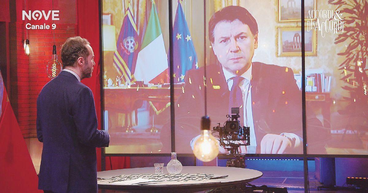 """Coronavirus, premier Conte al Fatto: """"""""Uno choc tutti questi morti. La stretta per ora non si allenta"""""""