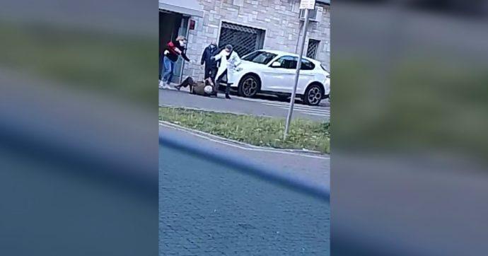 """Puglia, medico di base aggredisce anziano di 85 anni a calci e pugni: arrestato. Il giudice: """"Violenza gratuita e spropositata"""""""