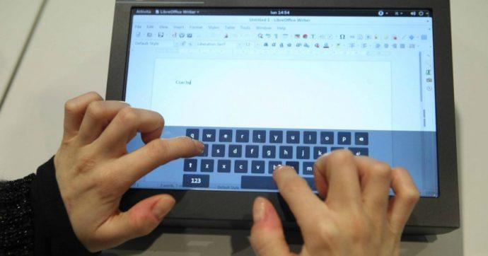 Didattica a distanza, le storie e i dubbi di genitori e figli alle prese con la scuola online