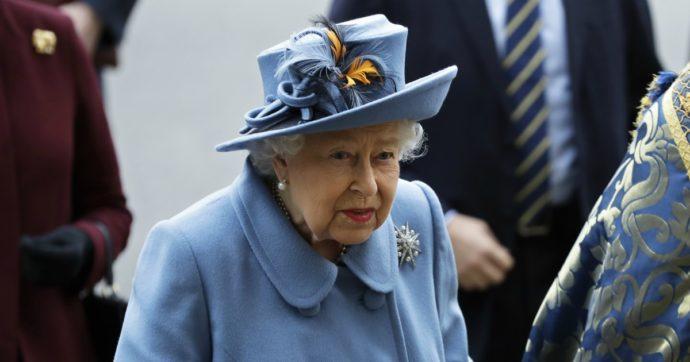 """Coronavirus, lo storico discorso della Regina Elisabetta: """"Arriveranno giorni migliori, dobbiamo essere all'altezza della sfida. Uniti ce la faremo"""""""