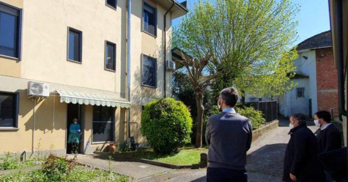"""Coronavirus, sette anziani morti e operatori decimati in una Rsa di Prato. Sindaci locali: """"Regione ha impiegato tre settimane per i test"""""""