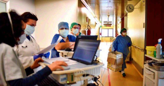 Coronavirus, 636 morti in 24 ore. Ma la curva di crescita continua ad abbassarsi: 3.599 nuovi casi. Calano le persone in Rianimazione