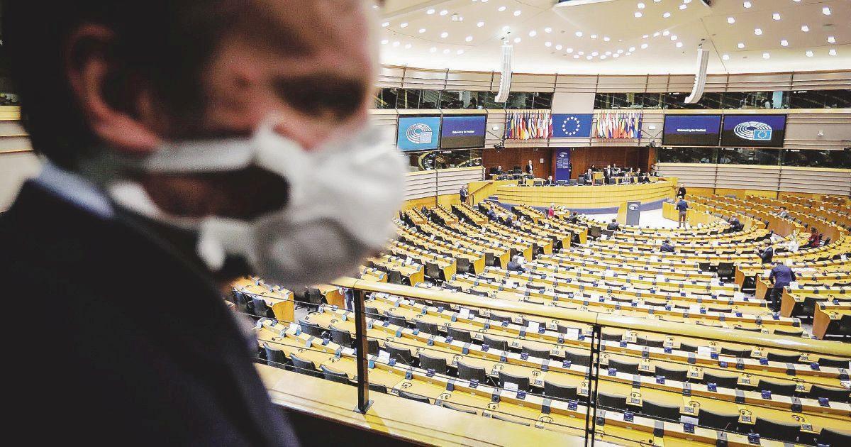 L'Ue nuda davanti alla storia se ora scarica l'Italia prostrata