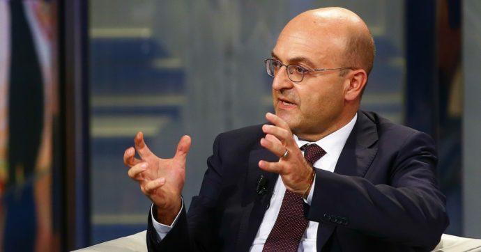 """Coronavirus, il viceministro Misiani: """"600 euro agli autonomi arriveranno dopo metà aprile. Sistema a regime dopo i problemi"""""""