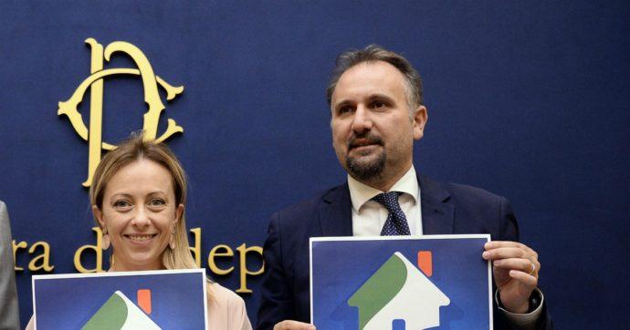 """Abruzzo, il caso dell'assessore Fdi al Bilancio reintegrato in Asl. M5s-Pd: """"Incompatibile"""". Lui: """"Lavoro gratis solo per l'emergenza"""""""