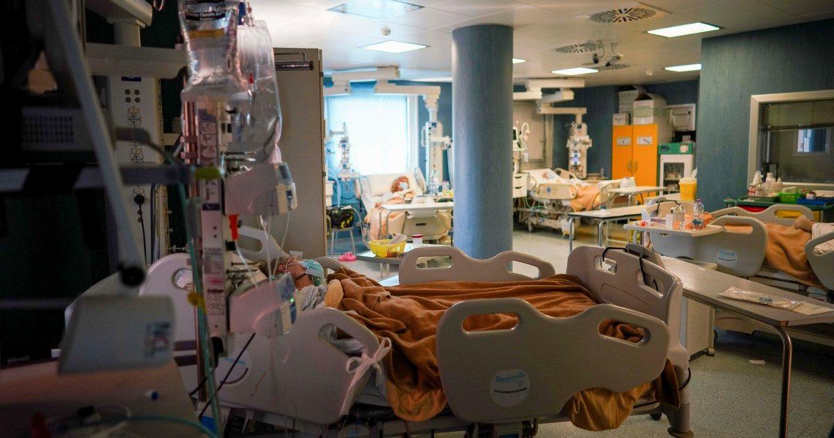 Coronavirus, i ladri della sanità fanno male alla salute: uno scandalo ogni tre giorni. L'inchiesta su FQ MillenniuM in edicola