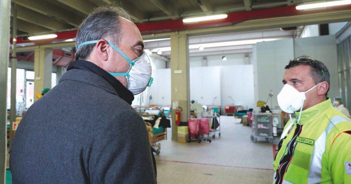 """Gallera e altri leghisti: """"I medici fanno politica"""""""