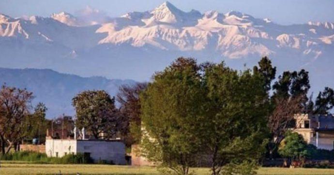 Le cime dell'Himalaya tornano visibili da 200 km di distanza: non accadeva da trent'anni