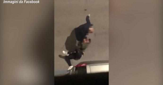 Bari, 45enne pregiudicato aggredisce e prende a calci in strada la compagna di 23 anni. Individuato grazie a un video diffuso in rete