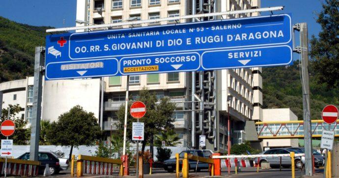 """Coronavirus, a Salerno licenziato infettivologo appena richiamato dalle pensione: """"Critiche non autorizzate, non avevamo alternative"""""""