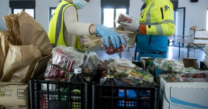 """Napoli, le associazioni: """"Scampia senza aiuti alimentari, colpa del sistema centralizzato"""". L'assessore: """"Metodo equo e trasparente"""""""