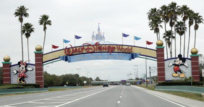 Coronavirus, Disney vuole licenziare 28mila lavoratori nei parchi di California e Florida: titolo perde il 2% a Wall Street