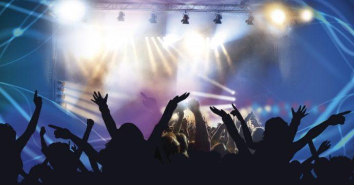 """Coronavirus, i live estivi verso lo slittamento di un anno: """"Ma cambierà tutto per concerti, cinema, teatri: ingressi ridotti, scaglionati, a orari diversi"""""""