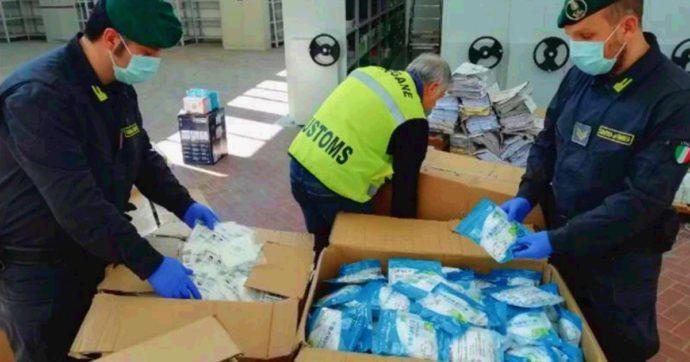 """Coronavirus, importavano mascherine dalla Cina per """"servizi essenziali"""" ma le vendevano: 4 denunciati e 400mila dispositivi sequestrati"""