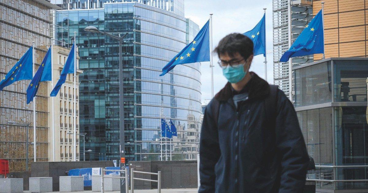 """Alessandro Di Battista: """"L'Italia deve dire no al Mes. Senza di noi la Ue si scioglie"""" – L'intervento sul Fatto Quotidiano"""