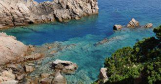 """Sardegna, il piano di Solinas per l'estate: scali chiusi fino a giugno poi un """"passaporto sanitario"""" per andare in vacanza sull'isola"""