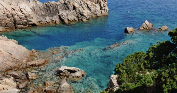 Sardegna, le coste sono sotto attacco. Ma nel nome del 'lavoro' non ci si vende anche la madre