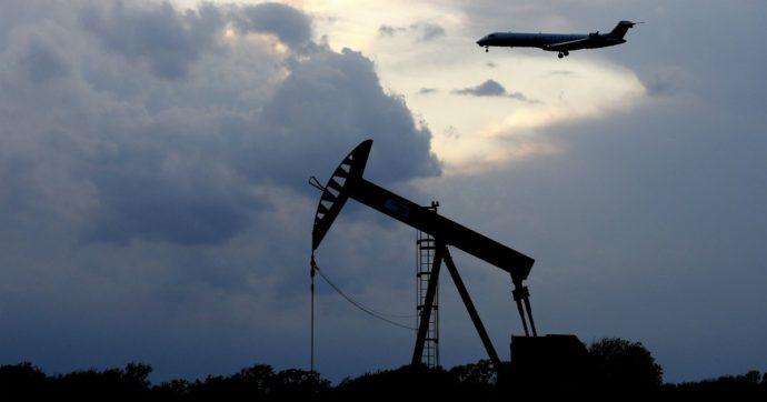 Petrolio, dal pozzo alla pompa di benzina. L'anomalia italiana vale un euro al litro