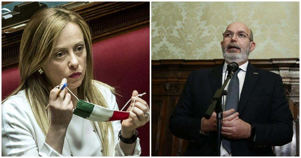 """Mes, Camera boccia ordine del giorno Fdi che chiedeva di non ricorrere al fondo. M5s: """"Pagliacciata della Meloni, non votiamo con i traditori che lo hanno approvato"""". 7 grillini votano con Fratelli d'Italia"""