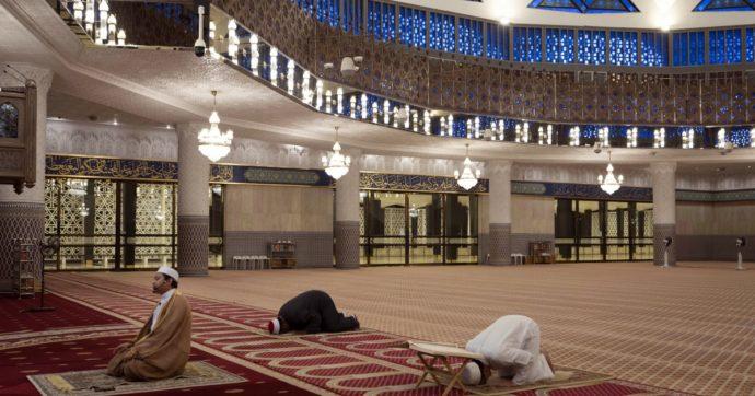 """Coronavirus, preghiere a casa e pellegrinaggi vietati: così si celebra il Ramadan in lockdown. """"Moschee chiuse per la prima volta da secoli"""""""