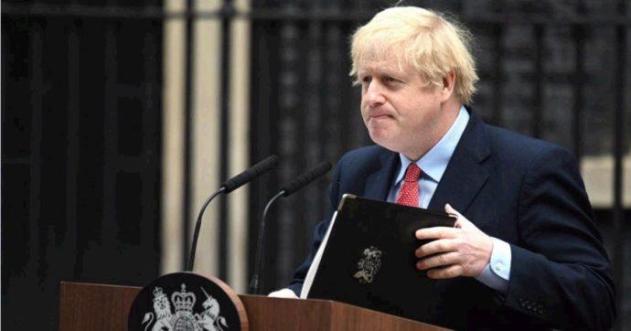 """Coronavirus, Boris Johnson torna a Downing Street: """"Si inizia a invertire la tendenza, ma non allentiamo: non buttiamo via i sacrifici"""""""