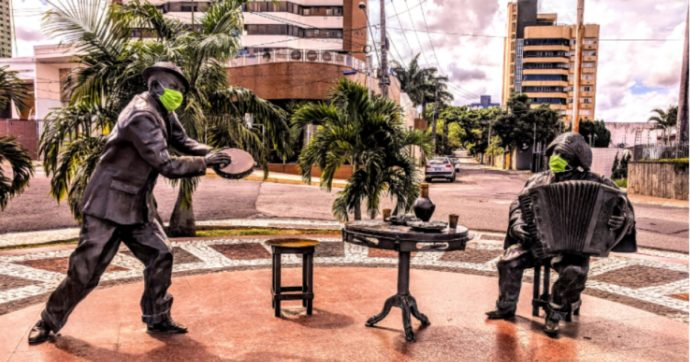 Brasile, dopo il ministro della Salute Bolsonaro perde anche quello della Giustizia. E rischia l'isolamento