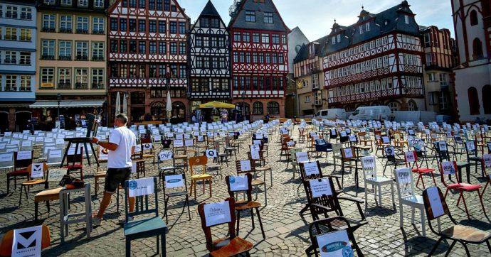 """Coronavirus, in Germania polemiche per le restrizioni. Corte Baviera: """"Divieto apertura per i grandi negozi è incostituzionale"""""""
