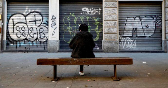 """Coronavirus, Fmi rivede al ribasso le stime: """"In due anni andranno persi 12mila miliardi"""". In Italia pil a -12,8% nel 2020, debito al 166,1%"""