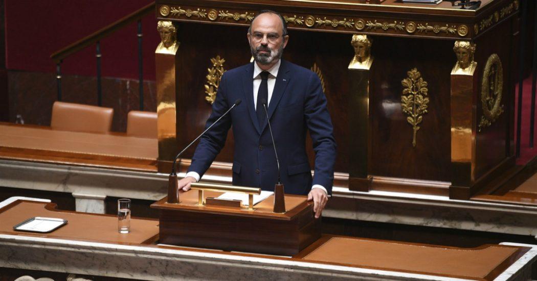 """Coronavirus – Francia, Philippe presenta in Parlamento la Fase 2: """"Dall'11 maggio scuole riaperte su base volontaria e 700mila test virologici alla settimana"""""""