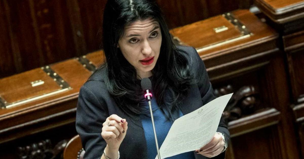 Esami terza media, la ministra parla ancora di bozze. Perché non aspettare un testo definitivo?