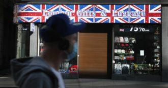 """Coronavirus, """"in Uk cento morti al giorno entro un mese"""". 15mila negazionisti Covid ammassati a Londra: scontri"""