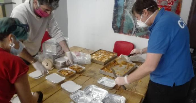 Coronavirus, ristoranti palermitani aprono la cucina per il 1 maggio e preparano 2mila pasti per le famiglie in difficoltà del centro