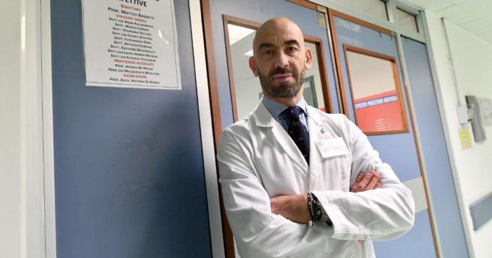 """Sanremo 2021, Matteo Bassetti: """"Mandiamoci i sanitari vaccinati, ne prendiamo 2/300 e li premiamo così"""""""