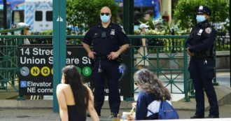 """Coronavirus, nove quartieri di New York di nuovo in lockdown da mercoledì. De Blasio: """"È un giorno difficile"""""""