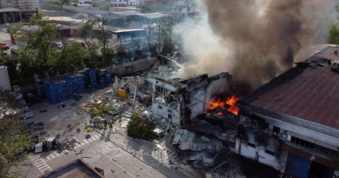 Napoli, esplosione nella fabbrica Adler Plastic a Ottaviano: un morto e due dipendenti feriti