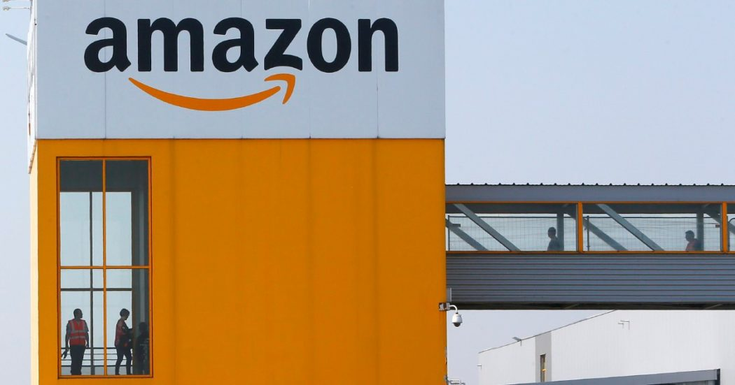 Amazon, ora il gigante dell'e-commerce fa concorrenza ai venditori con 240mila prodotti a suo marchio. Che sono prima opzione di acquisto