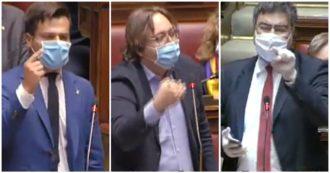 """Deputati della Lega contro il governo: """"Questo è fascismo, noi la Resistenza"""". Fiano: """"I partigiani si rivoltano nella tomba"""". Bagarre alla Camera"""