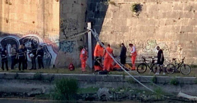 Roma, 38enne ucciso sulla pista ciclabile sul Tevere. Fermato un uomo: fu assolto per l'omicidio di uno studente americano