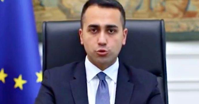 """Migranti e coronavirus, Di Maio: """"Tunisia sequestri in loco barchini e gommoni. Al via i rimpatri, nessuno sarà regolarizzato"""""""