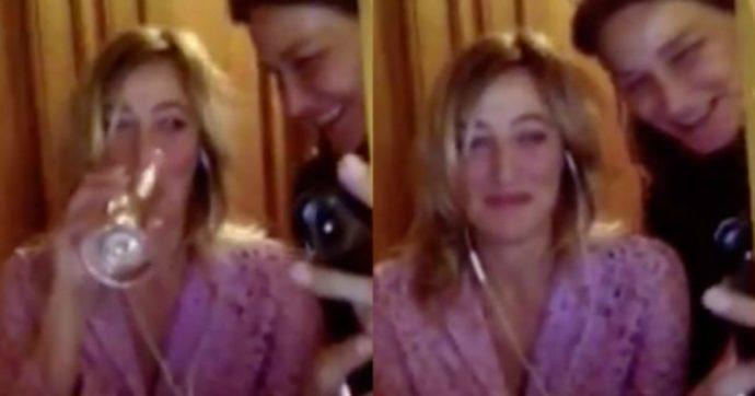 David di Donatello 2020, Valeria Bruni Tedeschi è in collegamento da casa: l'incursione della sorella Carla Bruni con lo champagne