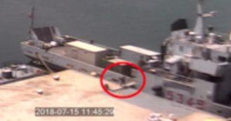 """Nave Caprera, così i quattro militari arrestati contrabbandavano sigarette dalla Libia. Il gip: """"Pagate di fatto con i soldi dello Stato italiano"""""""
