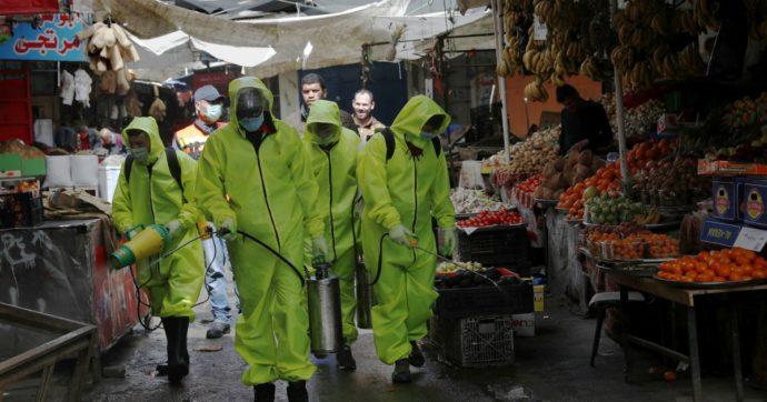 Coronavirus, ora i palestinesi 'proteggono' il muro israeliano. La paura di contagio capovolge il mondo o lo mette a nudo?