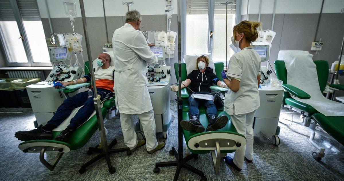 """Lo studio di Pavia """"Con il plasma mortalità ridotta"""""""