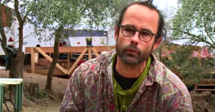 """Aiutava migranti a passare il confine tra Italia e Francia, Cédric Herrou prosciolto a Lione sulla base del """"principio di fraternità"""""""