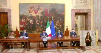 """Coronavirus, Conte: """"Turismo? Non accettiamo accordi bilaterali all'interno dell'Ue che creano corridoi privilegiati. Saremmo fuori dall'Unione"""""""