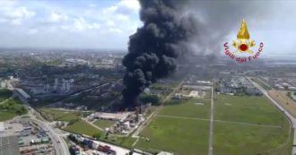 Marghera, esplosione in una azienda chimica: le immagini dall'alto dei Vigili del Fuoco