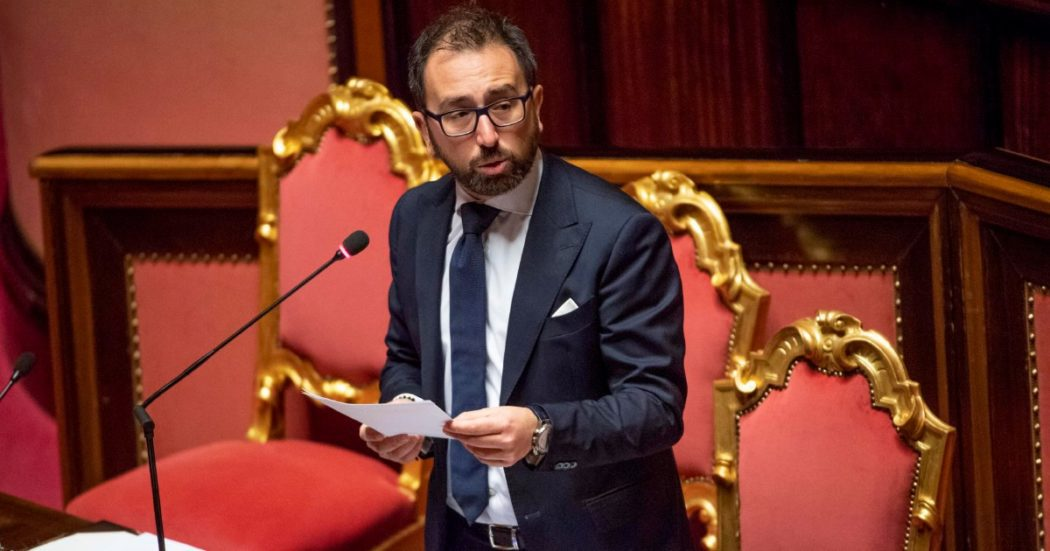 """Giustizia, dalla Camera sì alla riforma Cartabia. Bonafede rivendica il ruolo del M5s: """"Alzate le barricate sull'improcedibilità, con noi in maggioranza mai restaurazione"""""""