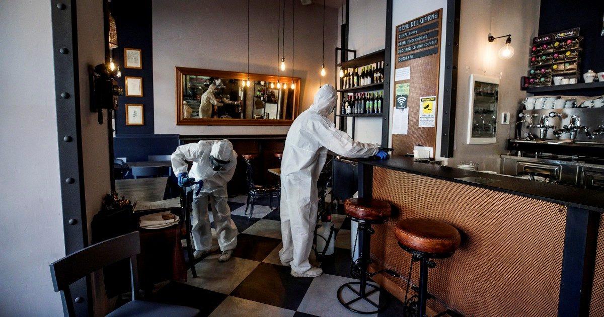 Paura e tasche vuote: metà degli italiani diserterà i ristoranti