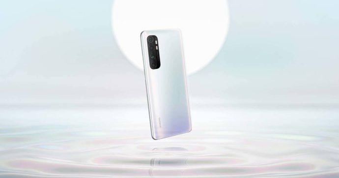 Xiaomi Mi Note 10 Lite, il nuovo smartphone arriva in Italia già scontato a 349 euro